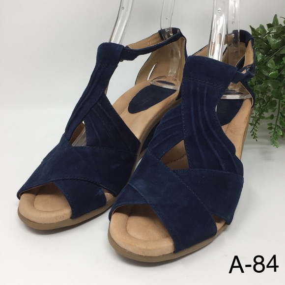 1574ad1b868b Earth Shoes - Earth Curvet Peep Toe Wedge Sandals Womens Suede